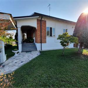 Villa for Sale in Goito